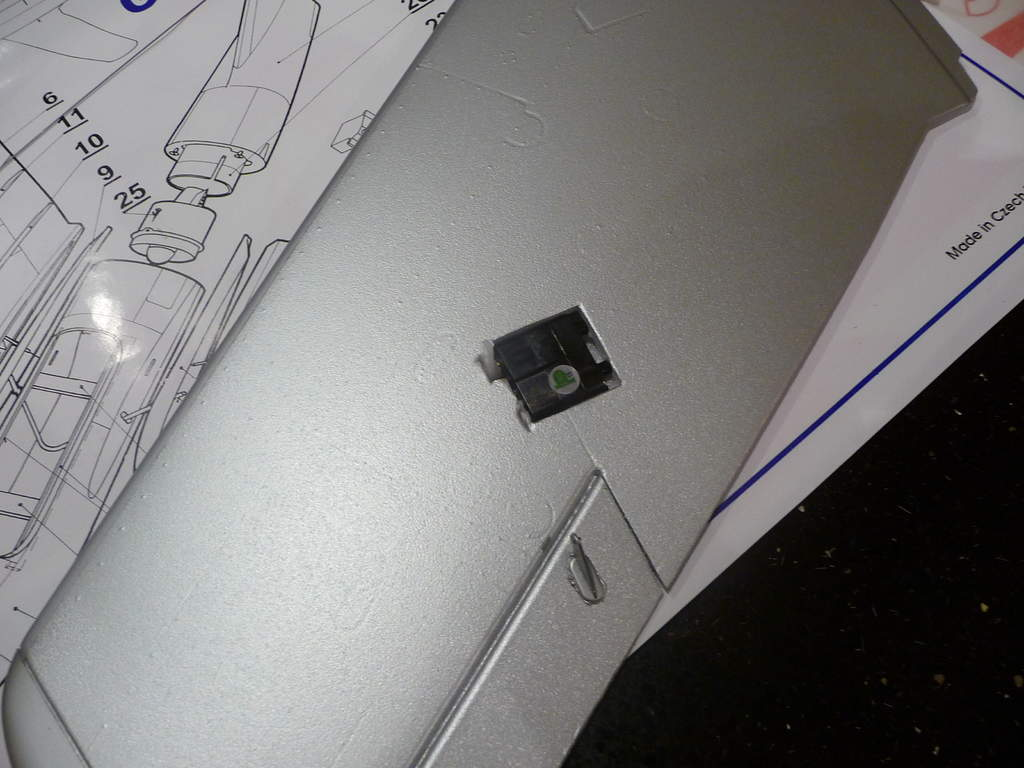 Name: P1030824.jpg Views: 210 Size: 70.9 KB Description: 3. Aileron servo fitted, control rod removed.