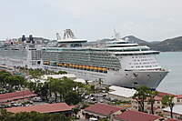 Name: IMG_2375.jpg Views: 41 Size: 93.4 KB Description: Freedom on the right, and the Norwegian Epic on the left. This is on St Thomas
