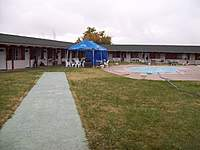 Name: f3b cal val 4 017.jpg Views: 92 Size: 82.4 KB Description: Cal Valley Lodge complete with pool and paved runway.