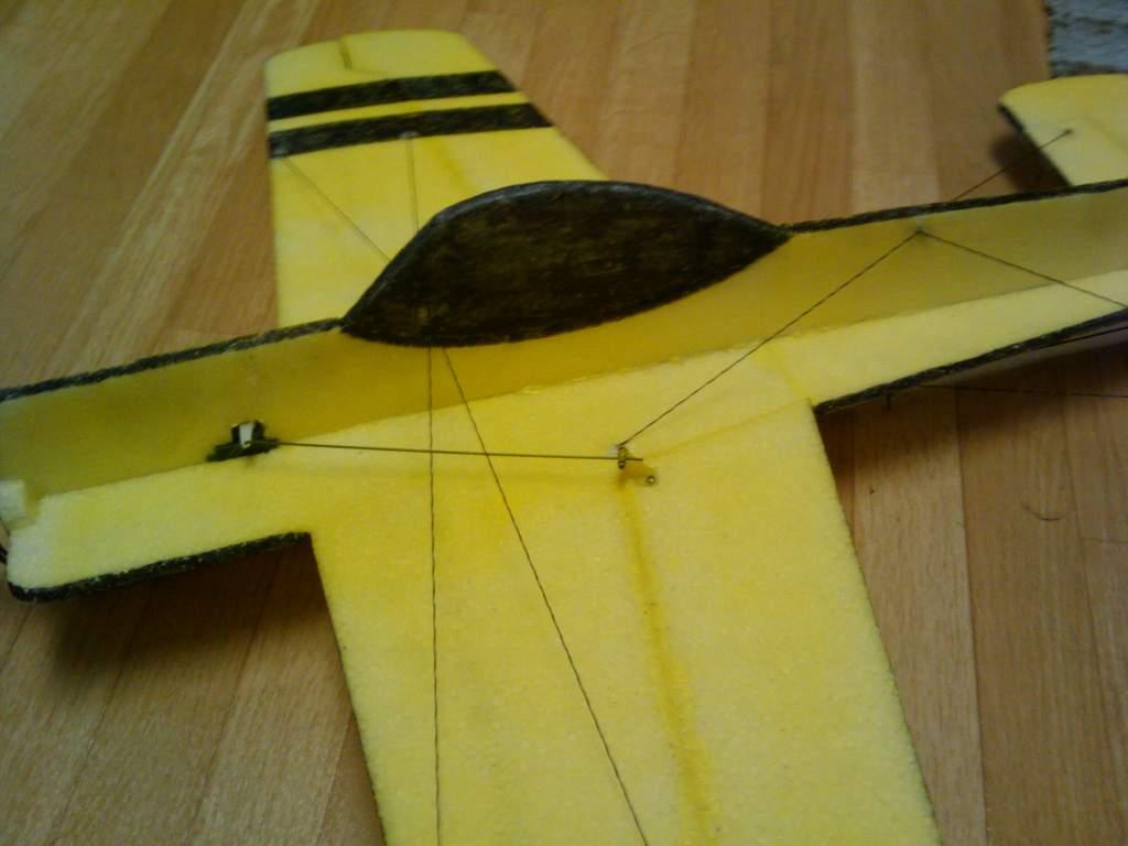 Name: 2009-12-09 10.59.57.jpg Views: 297 Size: 47.3 KB Description: wing bracing
