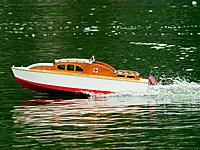 Name: 2012-08-05_133.jpg Views: 62 Size: 294.6 KB Description: A 1960s vintage Aerokit Sea Queen(?) stretches her legs out in deep water away from the handling course.
