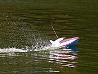 Name: 2012-08-26_0041.jpg Views: 71 Size: 293.2 KB Description: A little boy was running his batboat