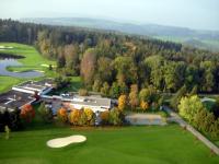 Name: golf2.jpg Views: 167 Size: 83.0 KB Description: Practise for the short game