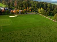 Name: golf3.jpg Views: 180 Size: 114.9 KB Description: Practise for the short game