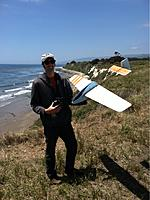 Name: fr_281_size880.jpg Views: 243 Size: 272.5 KB Description: Michael Richter holding the Aero-Glide