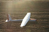 Name: IMG_4008.jpg Views: 186 Size: 89.8 KB Description: My Kloudrider in the setting sun just after landing.