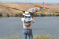 Name: IMG_4834.jpg Views: 278 Size: 241.9 KB Description: Eric about to launch Lynsel's TG