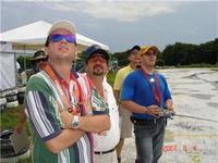 Name: Tony y la banda.jpg Views: 93 Size: 16.5 KB Description: TRES GALLOS DEL 3D JIMENEZ TONY VOLANDO Y CHAMARRO