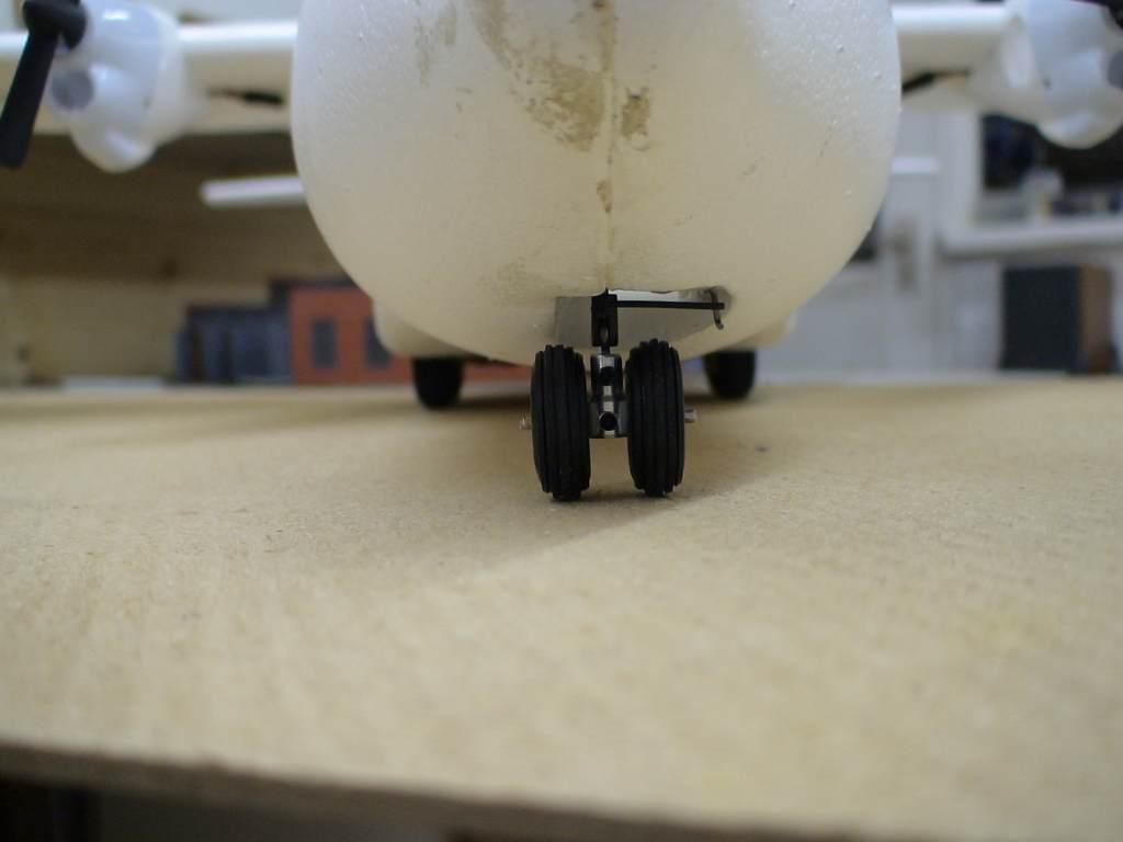 Name: herc nosewheel front.JPG Views: 366 Size: 37.9 KB Description: