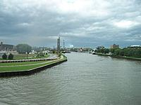 Name: 100_5146.jpg Views: 18 Size: 786.3 KB Description: Looking up the Manitowoc River. The maritime museum is on the right.
