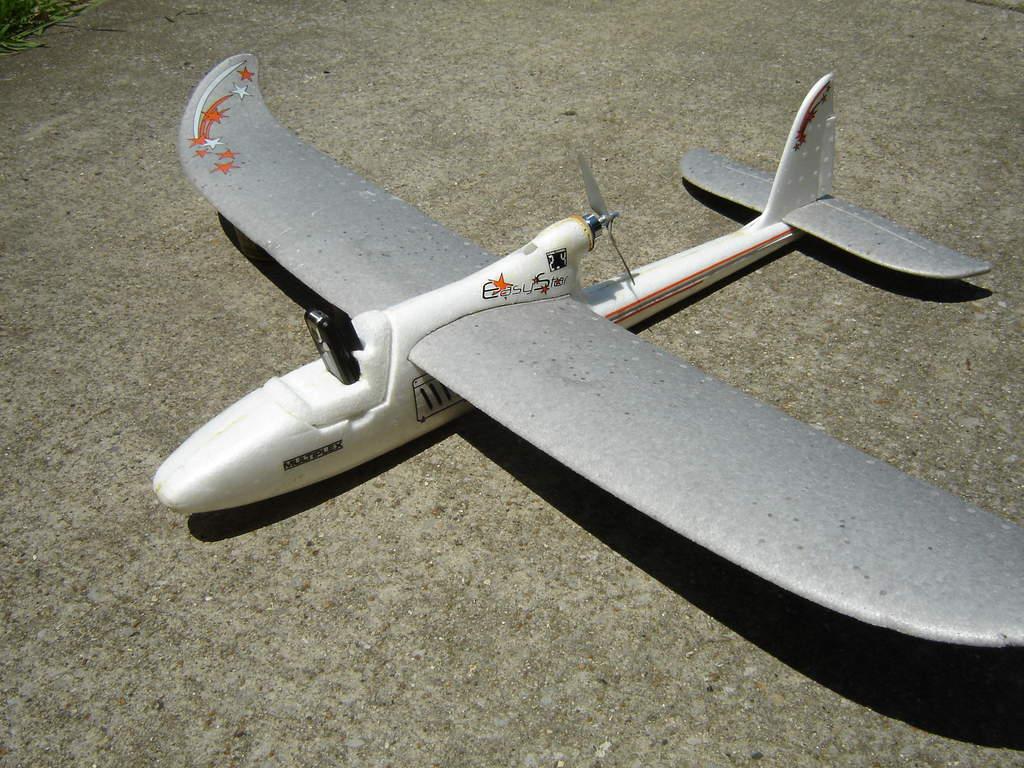 Name: DSC02009.jpg Views: 381 Size: 127.8 KB Description: EasyStar Aerial Photography rig