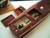 Name: PHTO0009.jpg Views: 253 Size: 61.7 KB Description: Same running gear, different deck & hatches