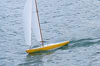 Name: Etchells 4.jpg Views: 200 Size: 87.6 KB Description: the kit mast was replaced with mahogany