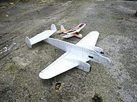 Name: Beechcraft1.JPG Views: 25 Size: 111.0 KB Description: Donor and recipient.