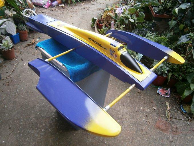 Name: m_051.jpg Views: 27 Size: 92.2 KB Description: ML Boatworks RSX 310 rigger. TP 4060 2430kv. Flycolor 150A ESC. ABC 1415 17 prop.