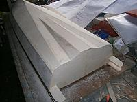 Name: m_010.jpg Views: 13 Size: 45.4 KB Description: The shape of the hull at the transom.