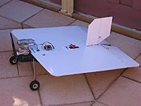 Name: Flatbat PBF 1.jpg Views: 169 Size: 26.2 KB Description: Pizza Box Flier with a fuselage