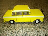 Name: cab.jpg Views: 1695 Size: 63.6 KB Description: Crazy flying Checker Cab.