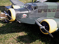 Name: 010.jpg Views: 918 Size: 112.8 KB Description: This model of a Ju-52 was flying in a competition at Rheidt 25 years ago.