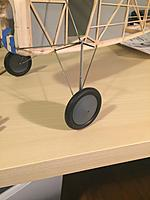 "Name: IMG_1946.jpg Views: 72 Size: 270.7 KB Description: Landing gear with 2.5"" wheels."