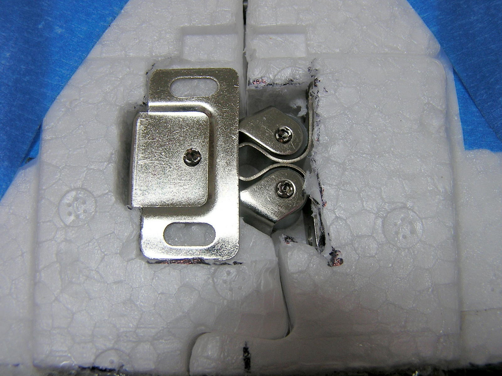 Name: latch (1).jpg