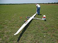 Name: SAM_1986s.jpg Views: 178 Size: 77.2 KB Description: My 6mtr Nimbus 4 getting readied for an aerotow.