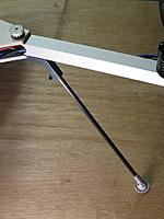 Name: gear-02.jpg Views: 597 Size: 46.6 KB Description: A finished leg, held by a homemade knob