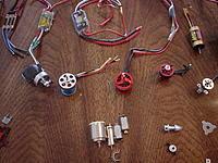 """Name: DSC01988.jpg Views: 165 Size: 301.3 KB Description: bl motors-  2 """"blue wonder"""" 24g 3000kv  1 emax 2805 1600kv-unused, turnigy 15g kv?, 10 g outrunner"""