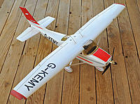 Name: Cessna 182T.jpg