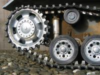 Name: Roadwheels 010.jpg Views: 307 Size: 123.8 KB Description: HL PanzerIII fitted with all metal running gear including DIY metal suspension dampers