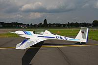 Name: DSC_27980001D-KLTF Deurne.jpg Views: 169 Size: 69.2 KB Description: The Carat motor glider with Discus A or B wing