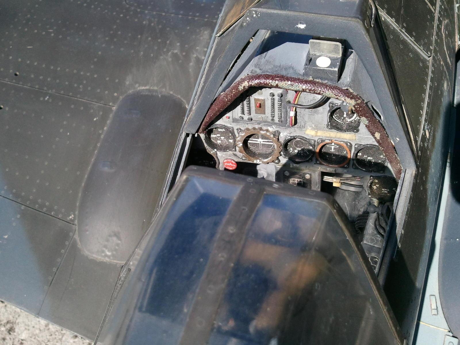 Name: d9 cockpit.jpg Views: 147 Size: 236.3 KB Description: