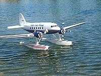 Name: Dynam DC3 on Flyzone Beaver Floats.jpg