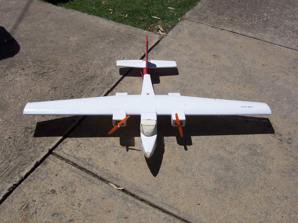 Name: top aero commander.jpg