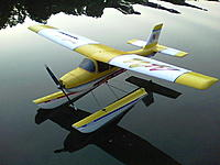 Name: 101_1199.jpg Views: 74 Size: 116.6 KB Description: with a little paint they can look great - flys great  off the water