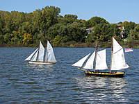Name: 06.jpg Views: 159 Size: 137.3 KB Description: Pictow and captain Paul's schooner.