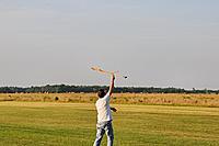 Name: DSC_0079.jpg Views: 124 Size: 294.8 KB Description: Hollis Fenn (hfenn) launches his Charybdis monocopter.