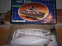 Name: js800_000_0404.jpg Views: 131 Size: 77.2 KB Description: 1/82 scale Diesel Tug Kit from Lindberg