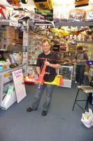 Name: zzrichard.jpg Views: 476 Size: 46.6 KB Description: In Steves shop