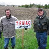 EMFSO President and Vice President, Robert Pike and John Werner, came to share in the excitement (really - it was exciting) to install our TEMAC sign. Robert and John are also TEMAC members and have been to funflies all over southern and central Ontario,