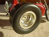 Name: !B)z9LiwEWk~$(KGrHqUOKm4EvyFnjv)2BMPGpRq1rQ~~_1.jpg Views: 223 Size: 20.9 KB Description: i need a pair of slicks like this ones or someone who can make them.