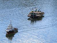 Name: loaded barge 006 (1024x768).jpg Views: 144 Size: 226.2 KB Description: