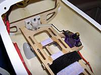 Name: SR-22_3268.jpg Views: 369 Size: 120.2 KB Description: Independent servo for nose steering.