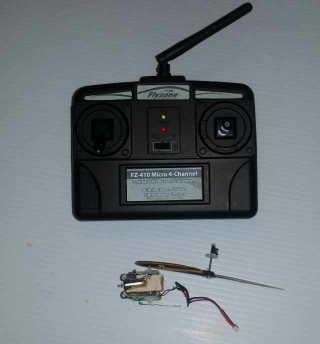Name: Flyzone FZ-410 Micro 4-Channel TX and RX Brick - pic-1.JPG Views: 28 Size: 46.4 KB Description: