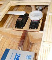 Name: pri20120503e.jpg Views: 100 Size: 92.0 KB Description: Aircraft plywood servo tray installed