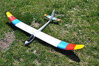 Name: DSC_0003.jpg Views: 182 Size: 310.0 KB Description: I like powered flight too, I didn't like the looks of the original radian color scheme so I changed it up a bit.