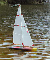 Name: Mist#4_0155.jpg Views: 400 Size: 139.7 KB Description: USOM with a 'cut-down' hull. I lowered the gunwales on this build for looks. Deck gets wet but no 'nose-dives'