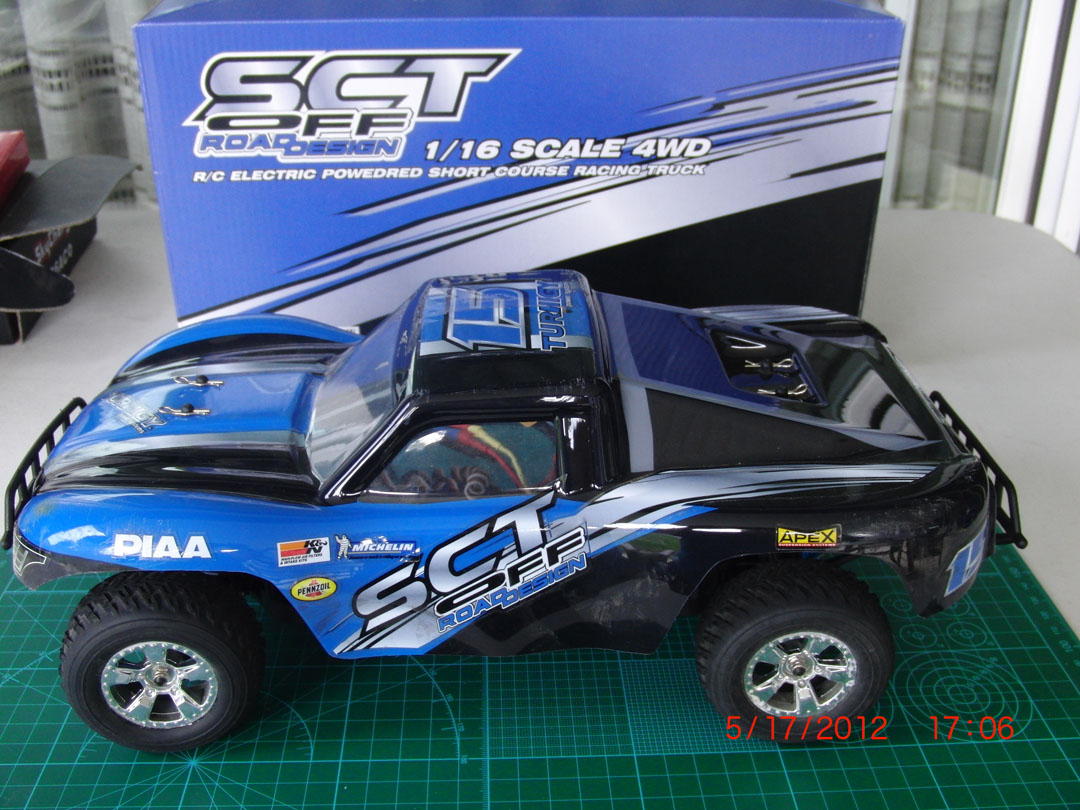 Name: res1002.jpg Views: 386 Size: 223.7 KB Description: The stock truck. This body looks great too!