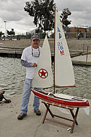 Name: res1547.jpg Views: 48 Size: 130.6 KB Description: Larry G. aka Prop'er and his Shadow.