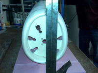Name: IMG00096.jpg Views: 251 Size: 67.8 KB Description: aligning the fuselage with the keel marks & the straight edge